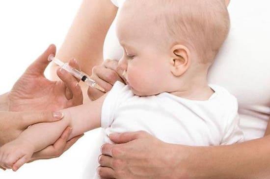 Вакцина АКДС - осложнения и противопоказания.