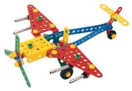 Конструктор — такую игрушку любит каждый малыш