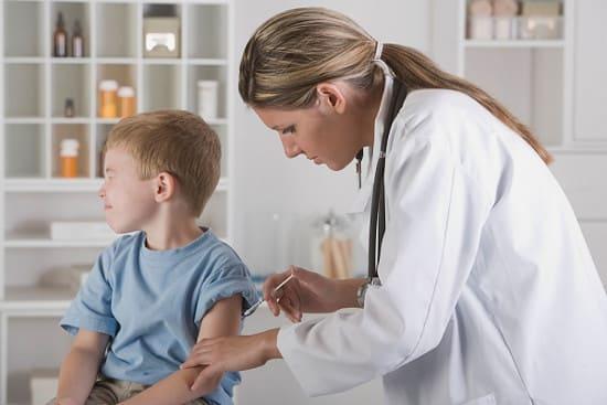 Если нарушены сроки прививок.