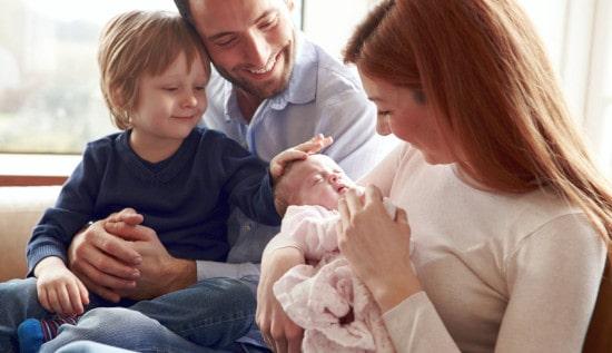 Ежемесячная выплата семьям в связи с рождением второго ребёнка