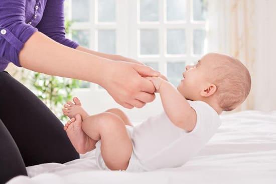 Гимнастические упражнения для детей 4-6 месяцев