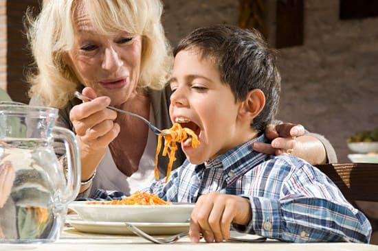 Инфантильность ребенка - следствие гиперопеки