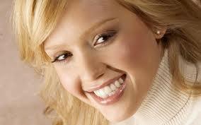 Виниры - простое решение сложных проблем с зубами